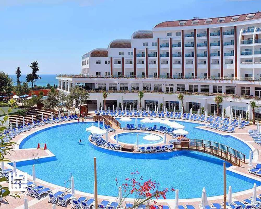 Investing in hotels and restaurants in Turkey